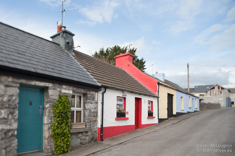 Cong village contains many traditional houses, many of which were used in the film The Quiet Man starring John Wayne.